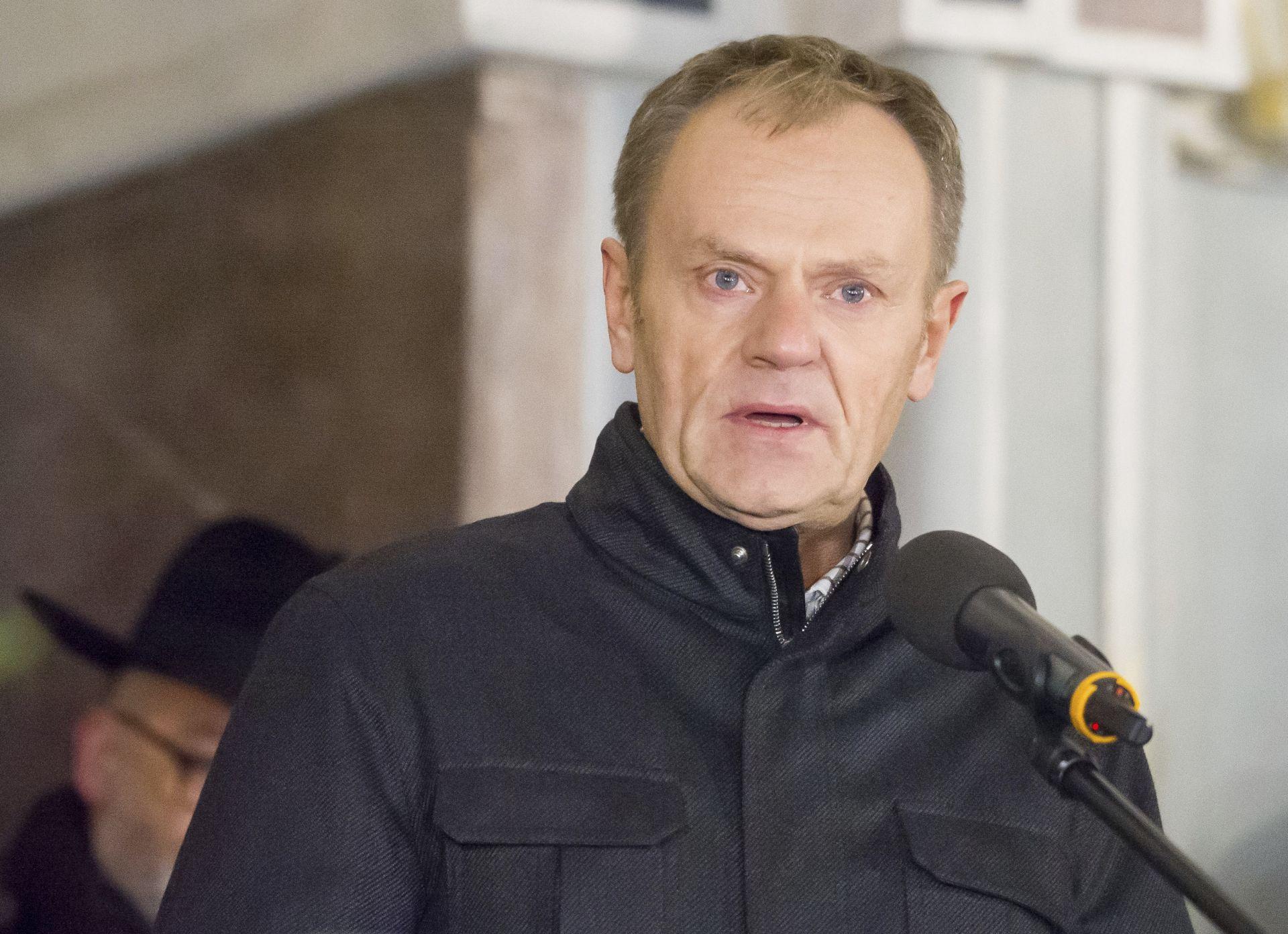 Доналд Туск говори на площада в Гданск