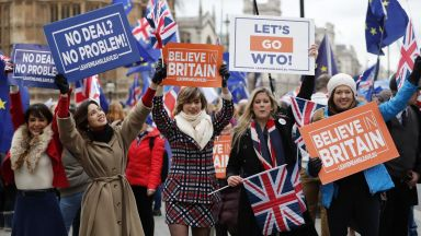 Кризисен вот за Брекзит в парламента