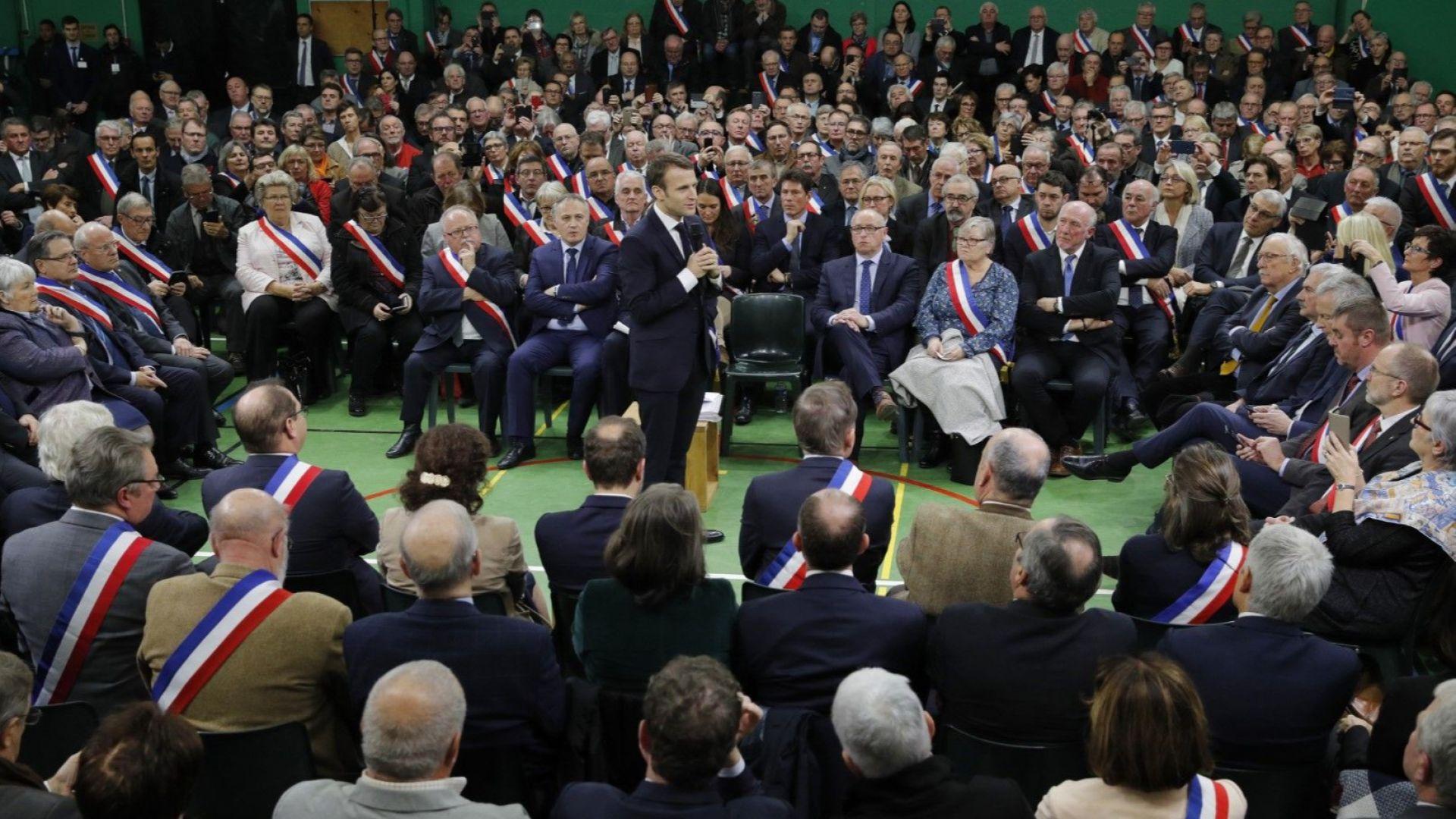 """Макрон откри """"големия дебат"""" с народа"""