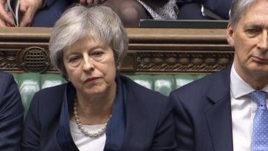 Парламентът съкрушително отхвърли споразумението за Брекзит