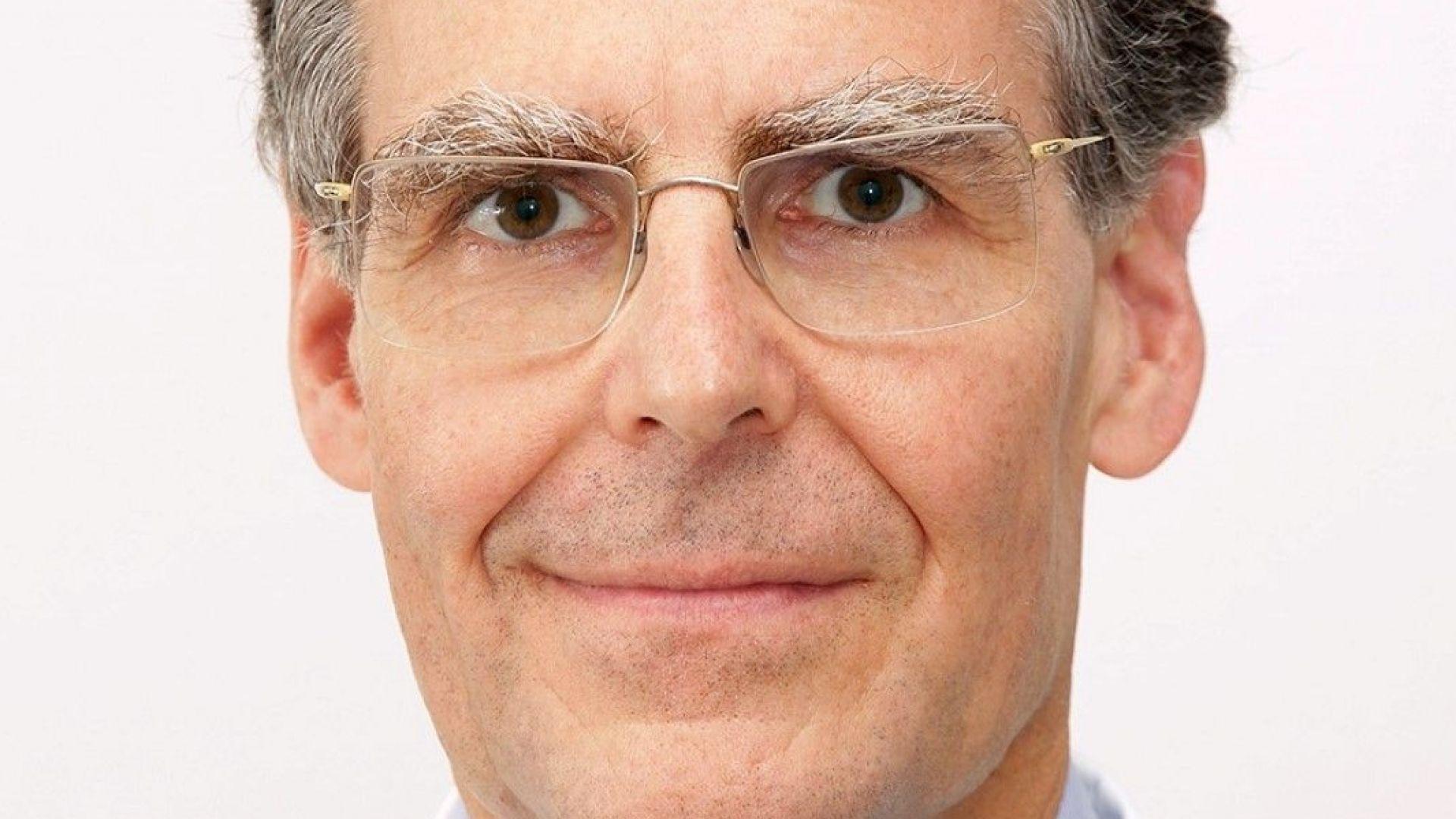 Проф. д-р Томас Чех е австрийски специалист по неврохирургия, практикуващ