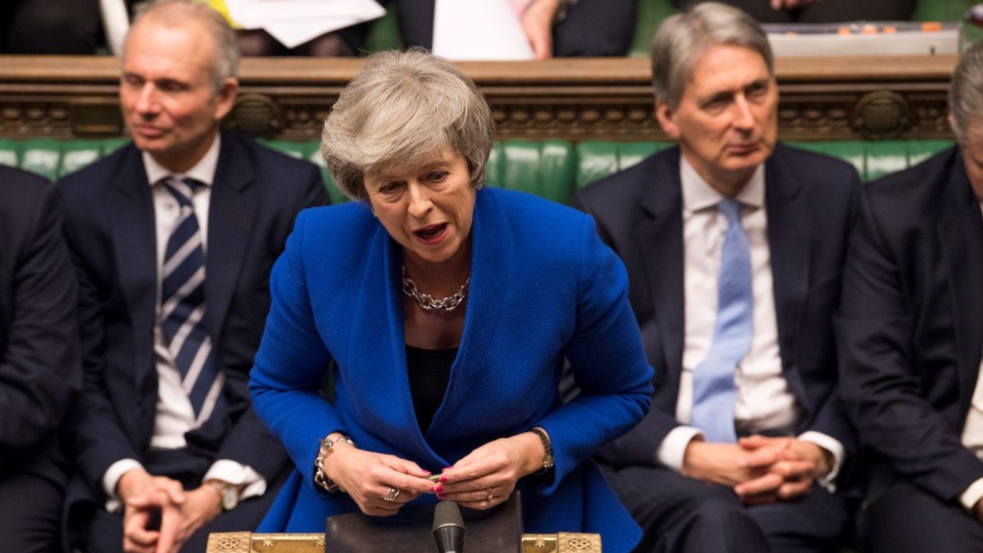 Снимка: Правителството на Тереза Мей оцеля при вота на недоверие заради Брекзит