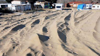 """Ето какви са пораженията на разораните дюни на къмпинг """"Смокиня"""" (снимки)"""
