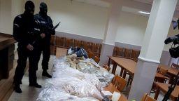 46 кг хероин, 13 кг амфетамини и 7 рецивидисти задържани при акция на прокуратурата (снимки)