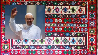 Подаряват чипровски килим  на папата при визитата му у нас
