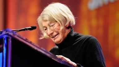 Почина поетесата Мери Оливър