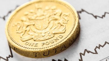 Прогноза: Паундът може да стане най-добре представилата се валута тази година