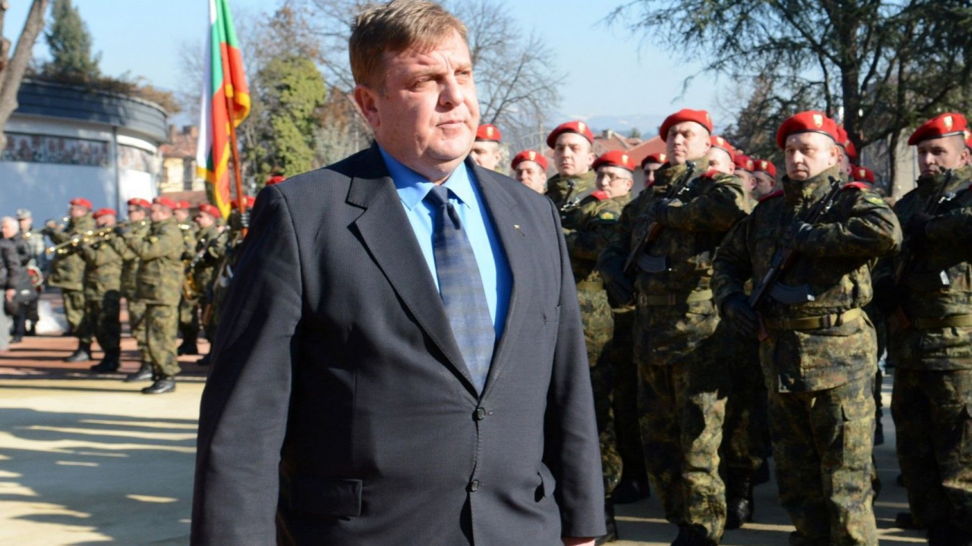 Каракачанов: Има две Българии - на спазващите законите и на имащите само права