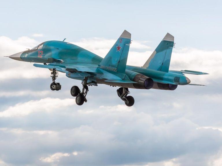 Само един от летците на катастрофиралите Су-34 е спасен