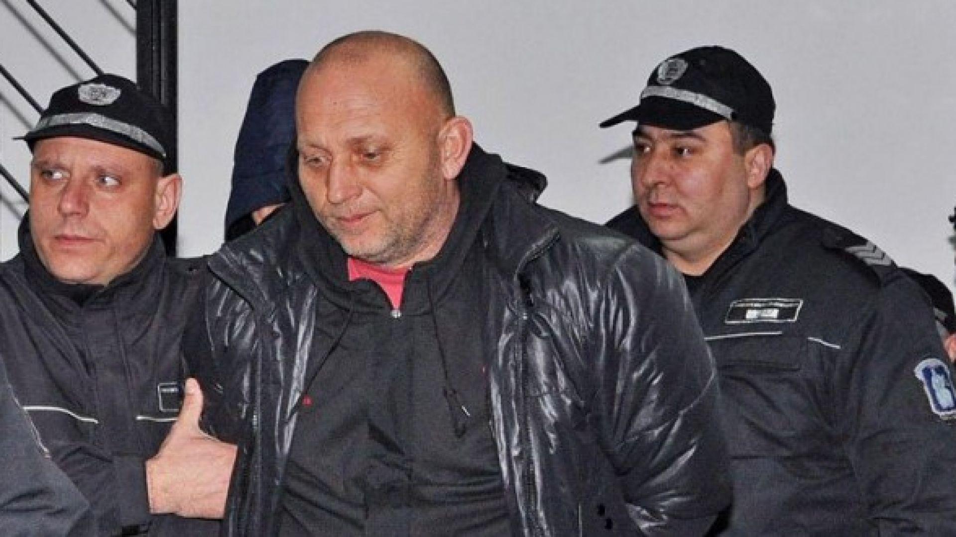 """""""Българският Ескобар"""" се върна в гръцки затвор 21 г. след бягството си"""