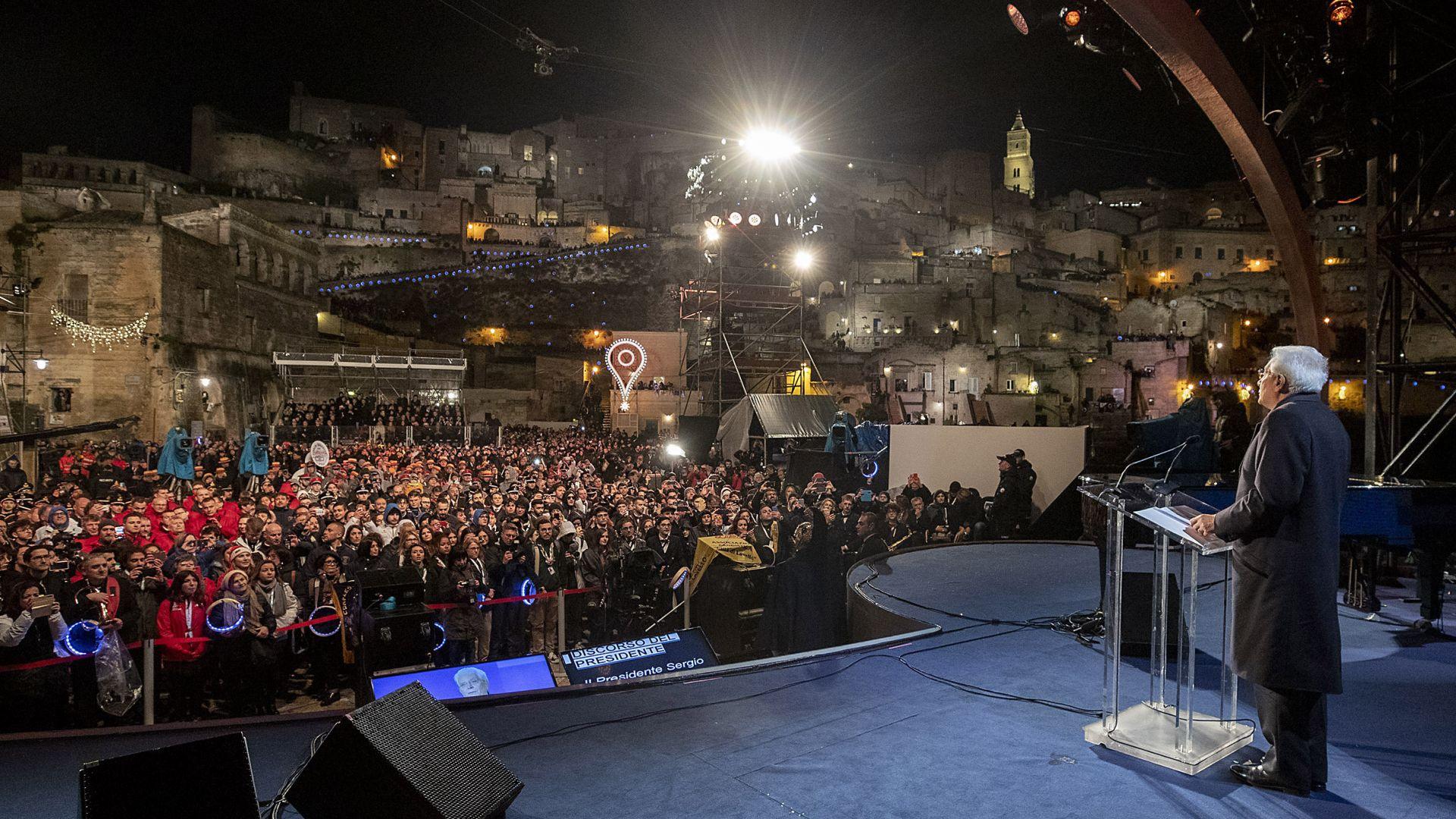 С тържествена церемония, на която реч произнесе италианският президент Серджо
