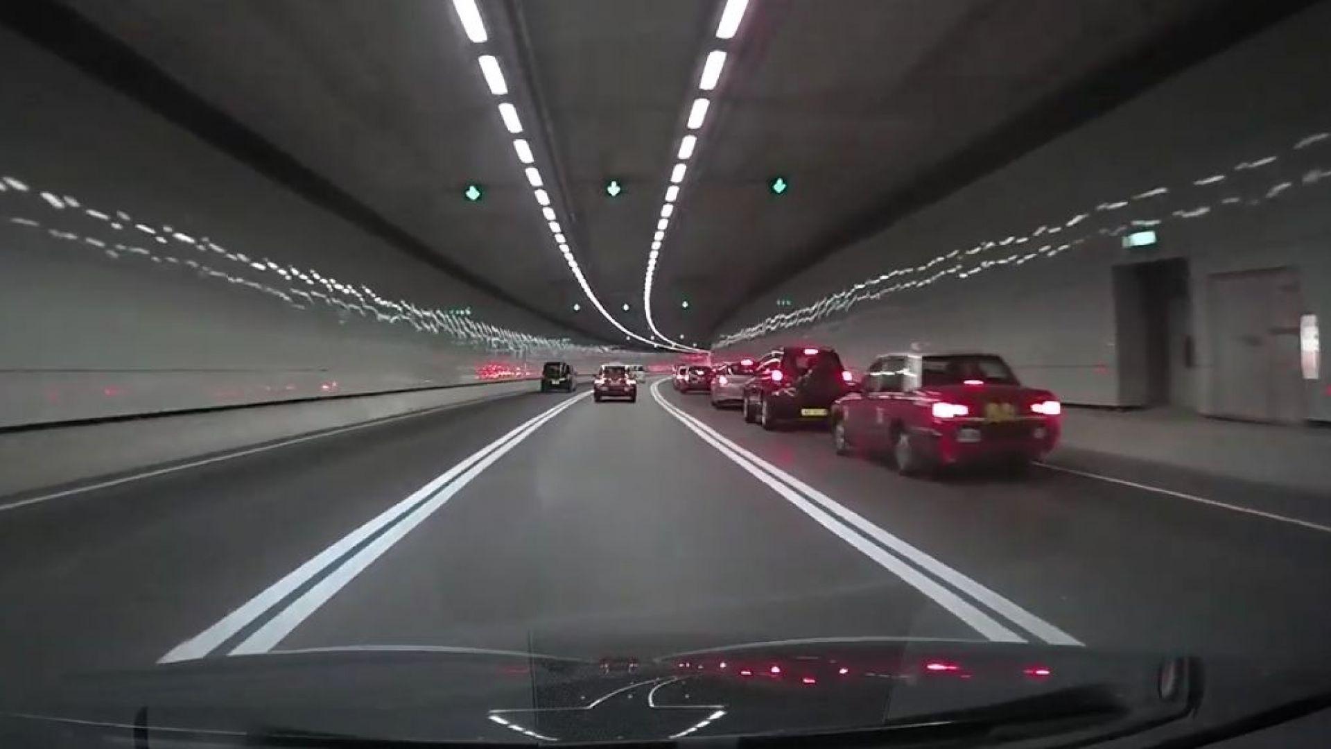 Тунел за $4,6 млрд., минаващ и по дъното на морето, откриха в Хонконг (видео)
