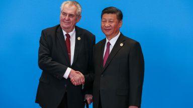 Президентът на Чехия защити Huawei