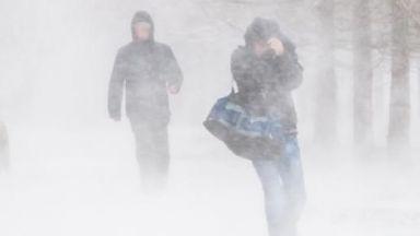 Леден дъжд, сняг и арктически студ в САЩ