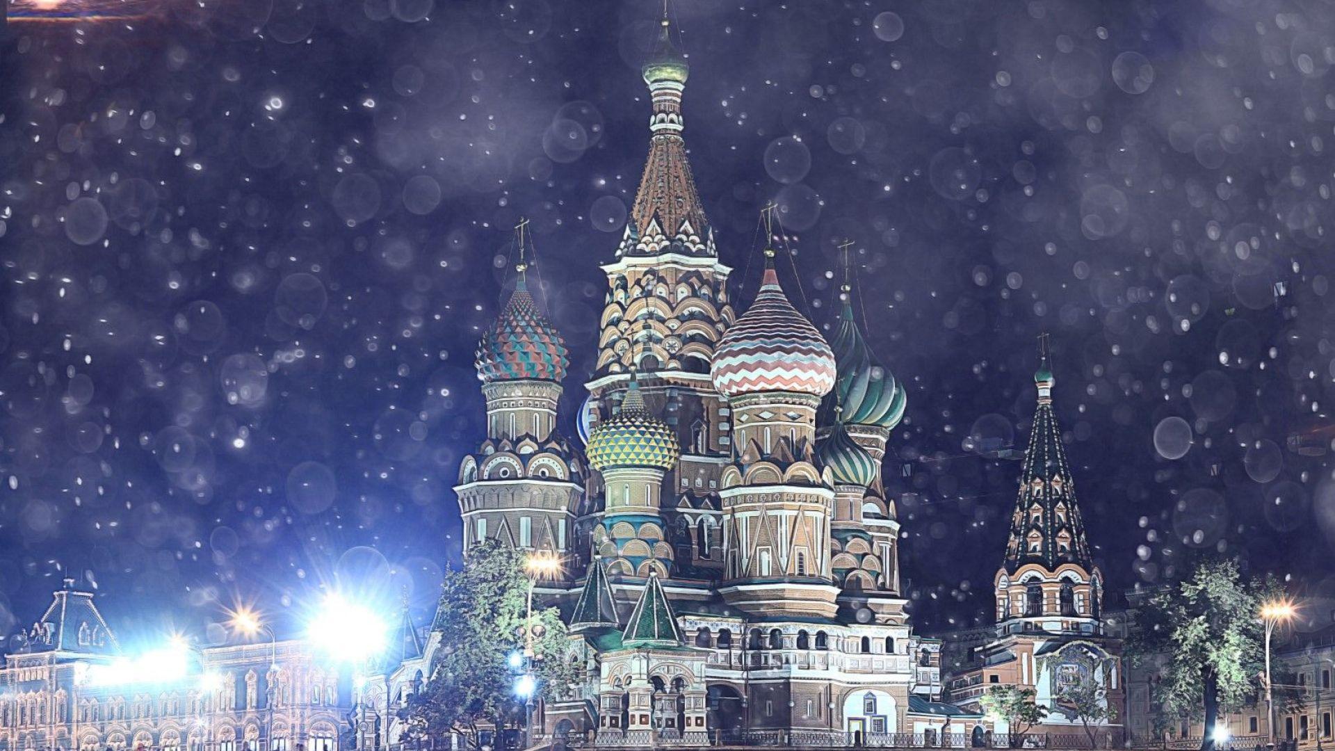 Уникално: Снежна гръмотевична буря в Москва (видео)