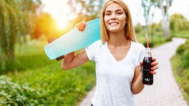 Пиенето на газирани напитки по време на тренировка носи риск за бъбреците