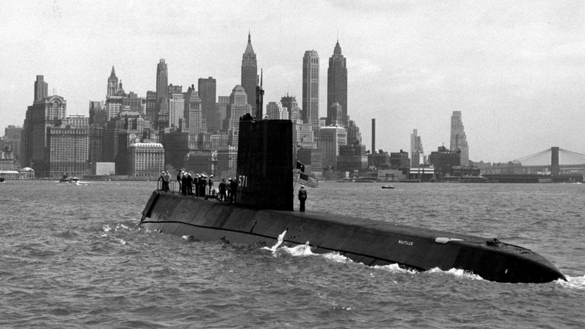 Преди 65 години в САЩ построяват първата атомна подводница
