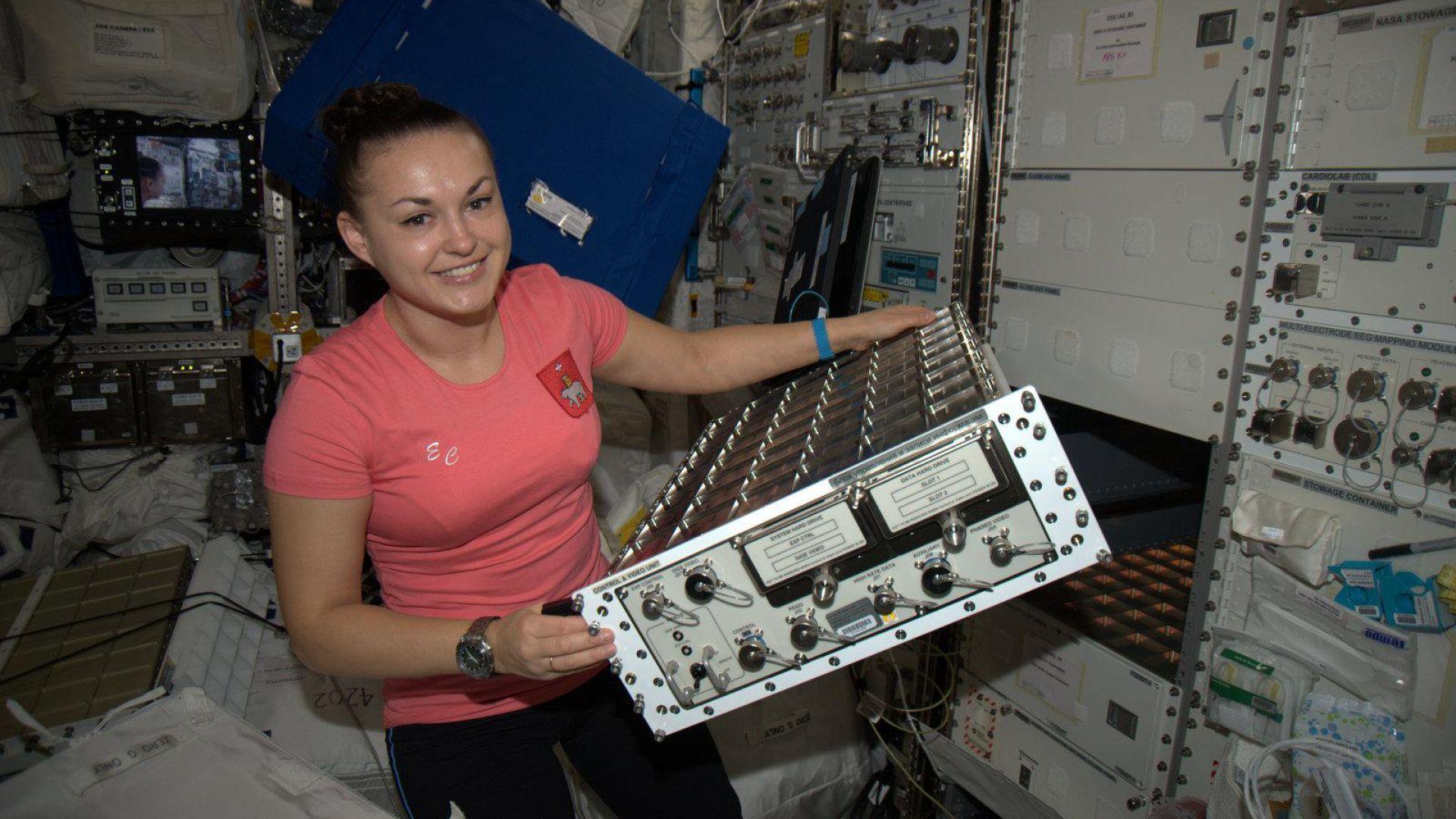"""""""Роскосмос"""" сформира отряд от жени-космонавти"""