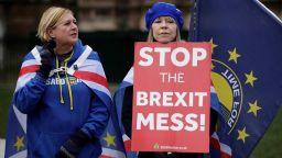 """""""Брекзит с отворена граница"""" е фантазия. Тереза Мей обаче продължава да я преследва"""
