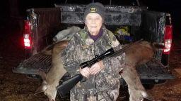 Ловджийка столетница повали два елена с един изстрел