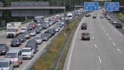 Шофьорите в Германия гневни на предложението за ограничаване на скоростта