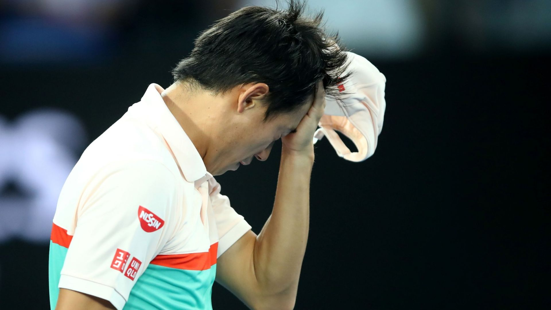 Джокович се класира на полуфинал само след загрявка