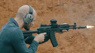 Успореден тест на руския АК-12 и американския М4 (видео)