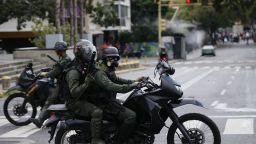 ЕС: Има опасност от военна ескалация във Венецуела (видео)