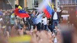 ЕС подкрепи смяната на властта във Венецуела, но Русия възропта