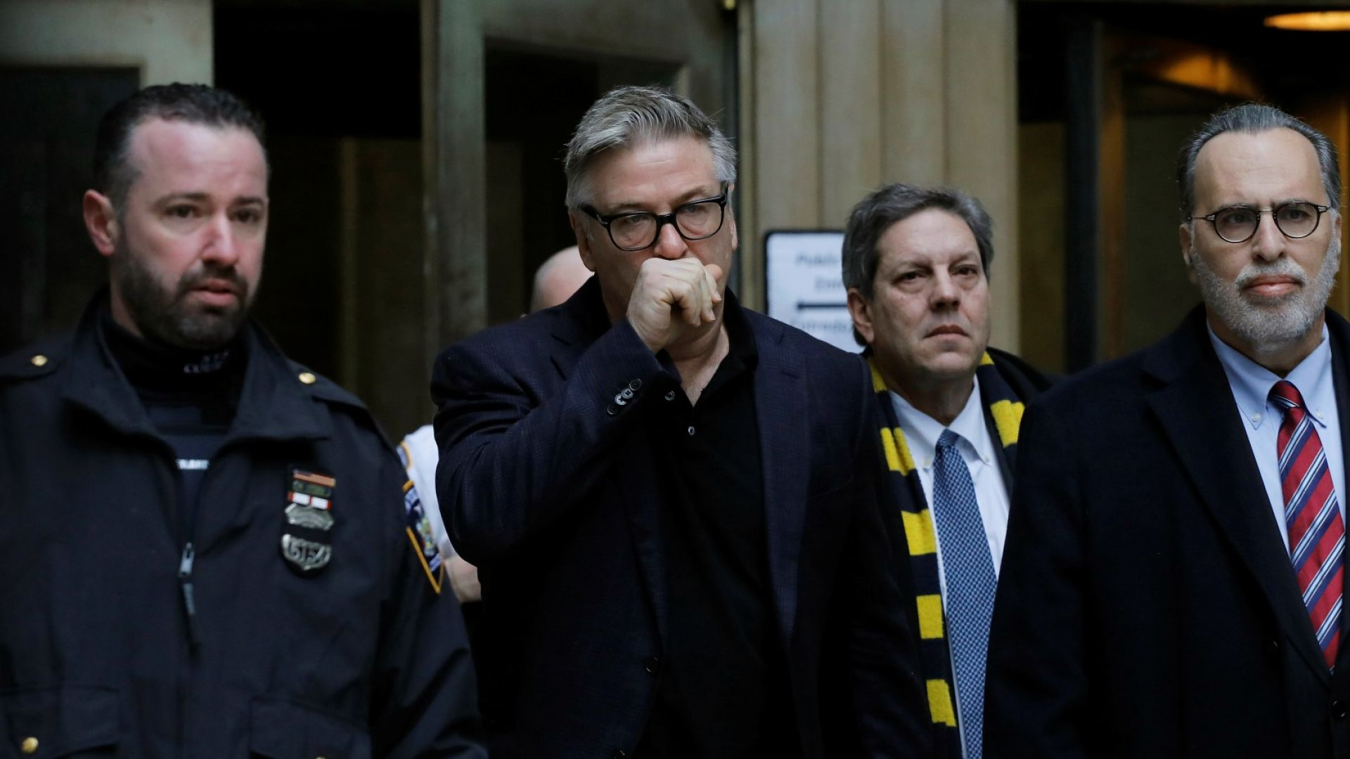 Осъдиха Алек Болдуин заради скандалa за паркомясто