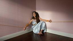 Фотографка се измъква от дълбока депресия с автопортрети