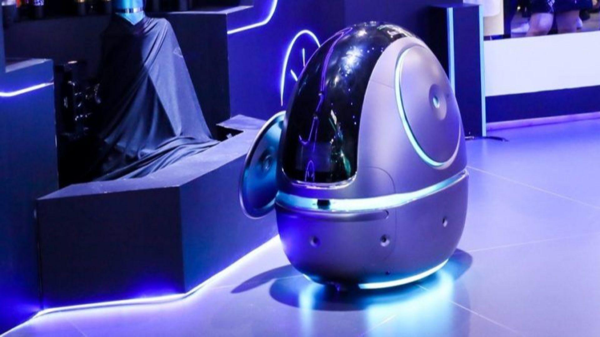 """Роботи обслужват клиентите в хотел на онлайн гиганта """"Алибаба"""""""