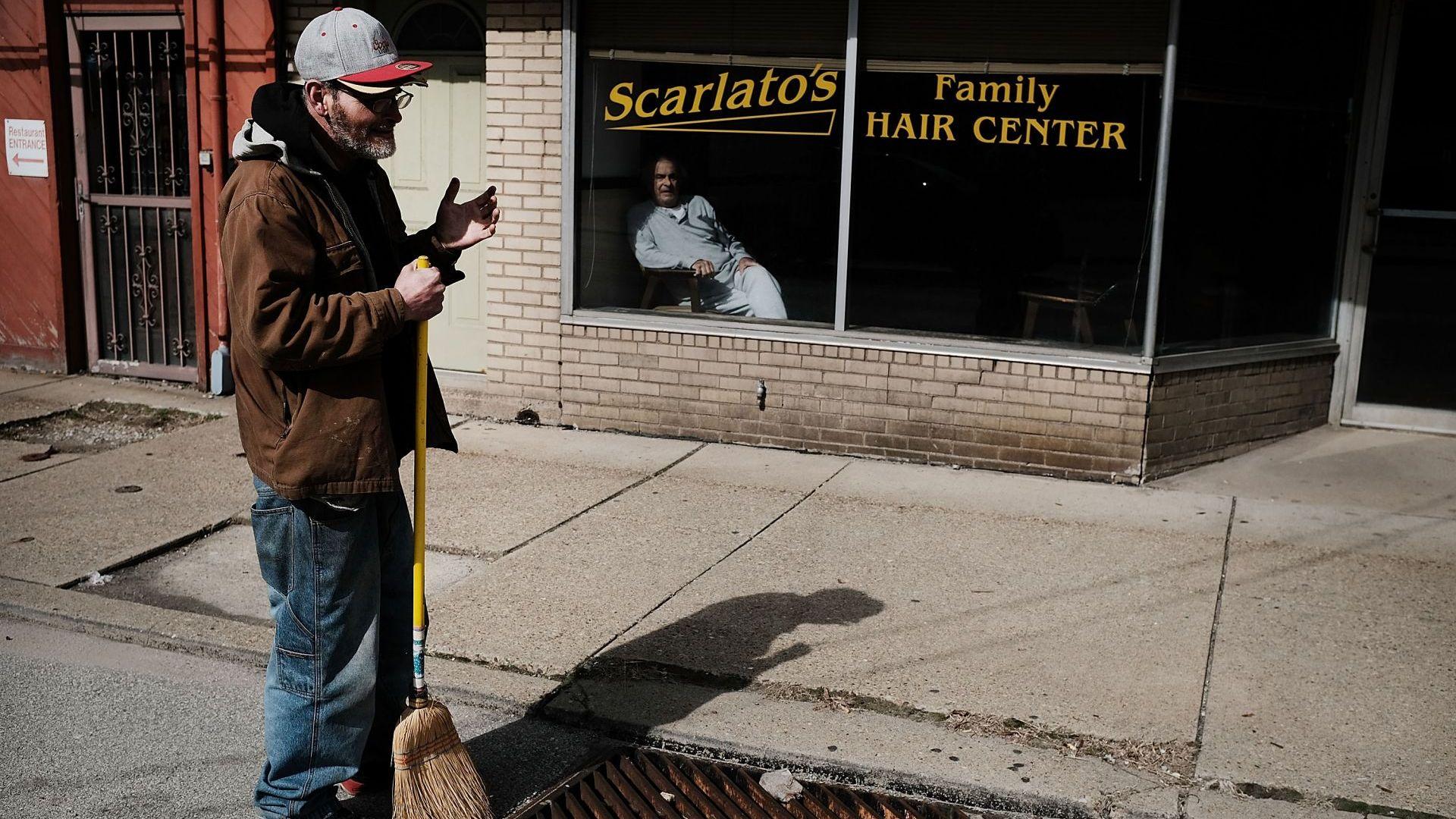 Безработицата в САЩ бележи 49-годишен минимум