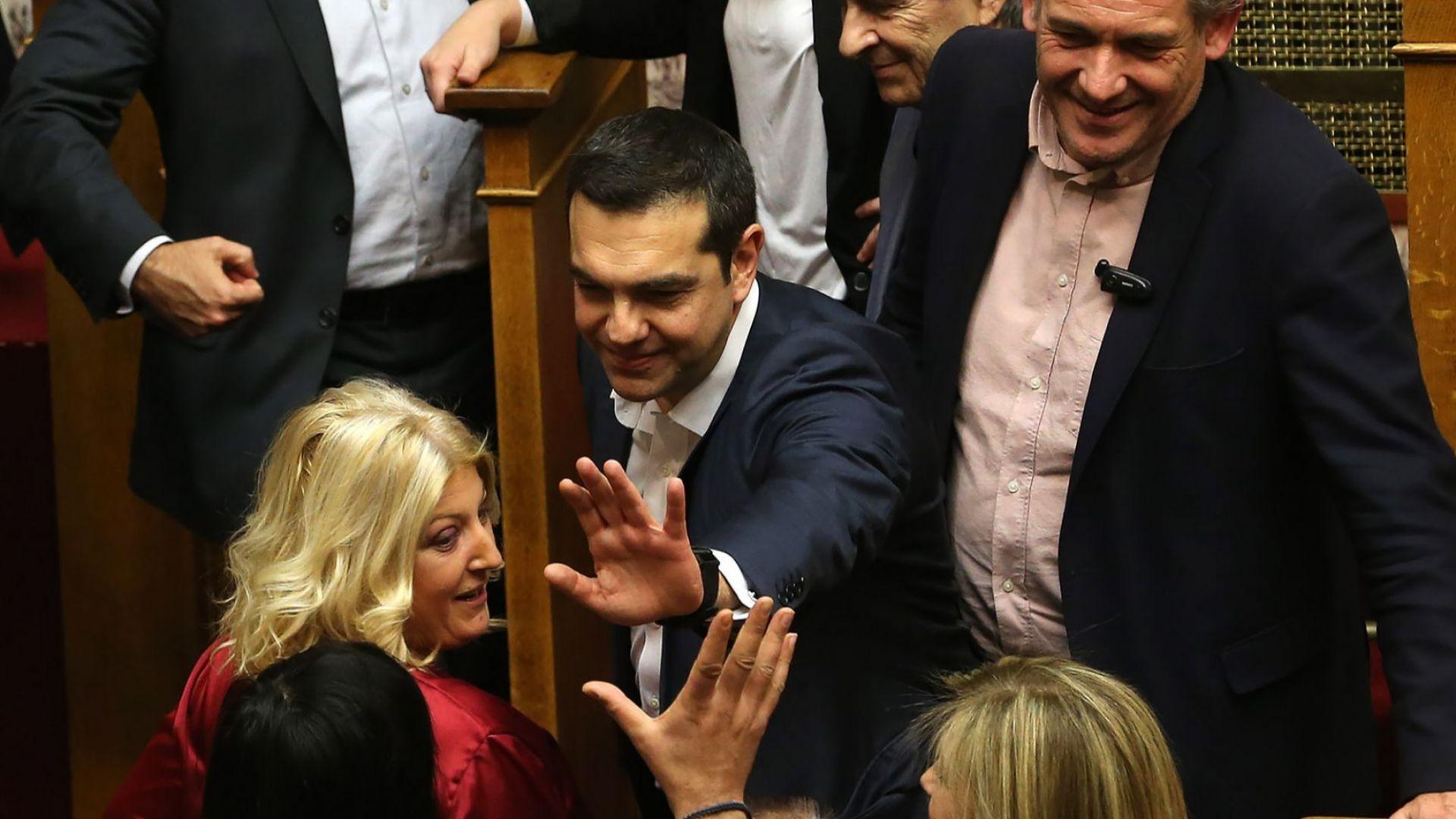 В Гърция отложиха гласуването на Преспанския договор за утре