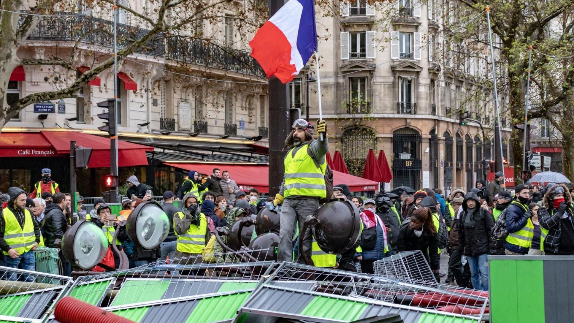 """Нови протести на """"жълтите жилетки"""" във Франция през уикенда"""