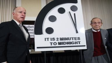 Часовникът на Страшния съд показва 2 минути преди глобална катастрофа