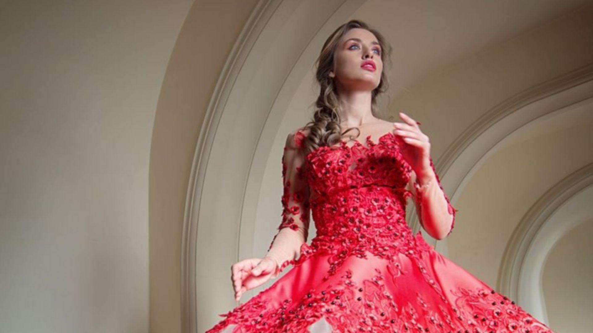 Саня Борисова позира като принцеса в операта
