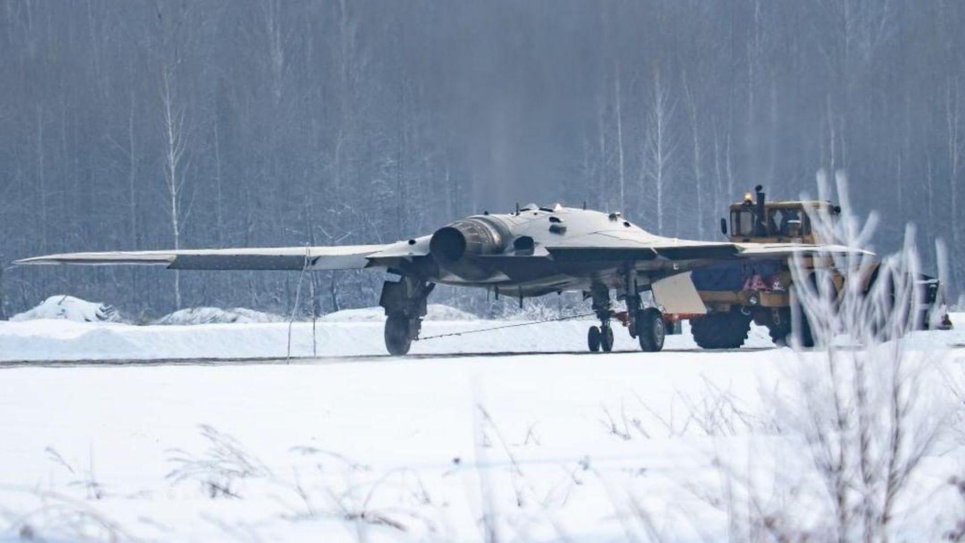 """Първи полет за руския боен и """"невидим"""" дрон"""