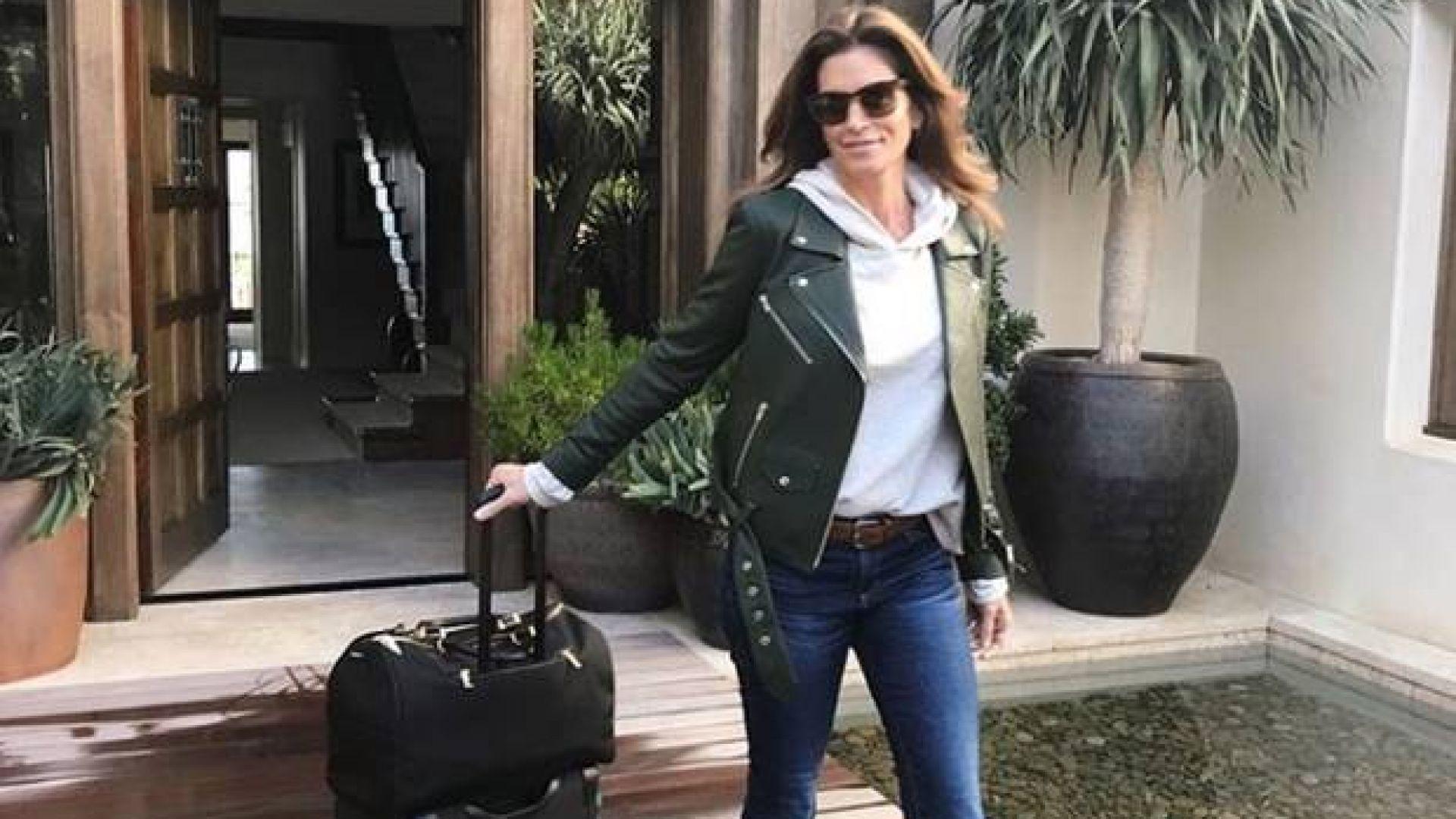 Синди Крауфорд отваря вратите на дома си