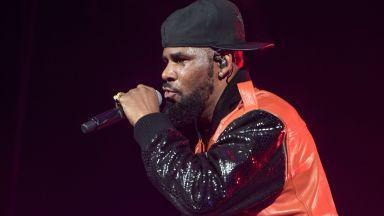 Хиляди срещу концерти на R. Kelly в Гермaния: Не давайте сцена на сексуални престъпници
