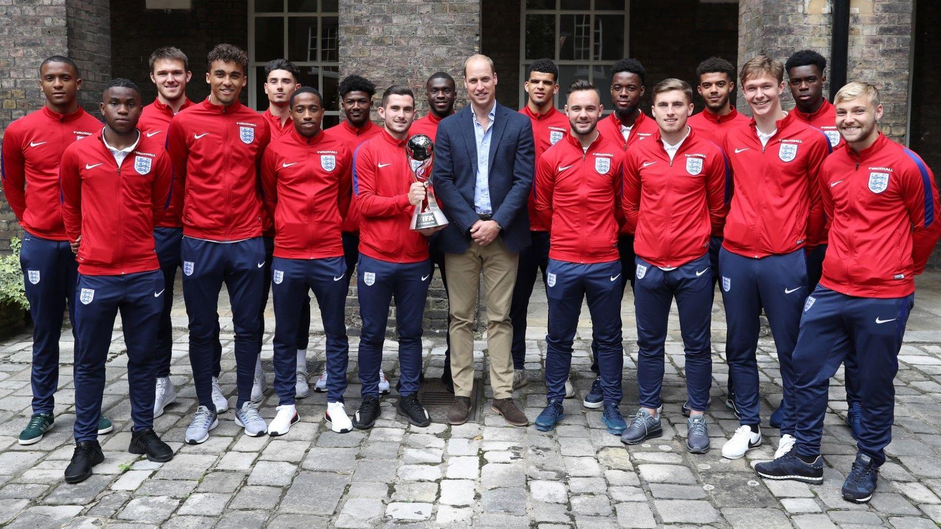Защо Европа приютява златните деца на английския футбол?