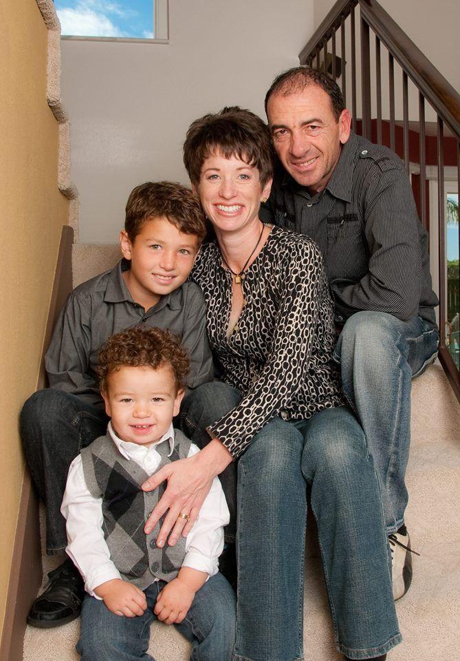 Семейна снимка от преди няколко години