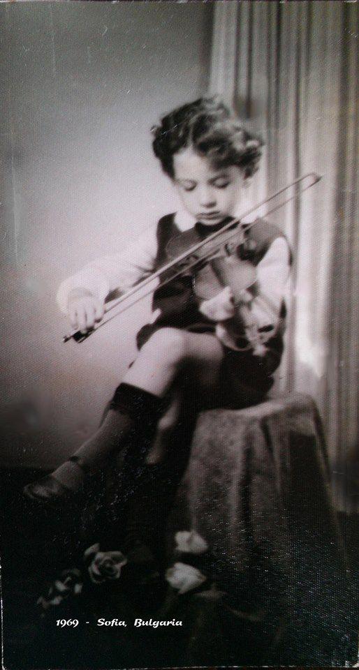 Цигулката помага много на Маринов за бъдещето му на акьтор
