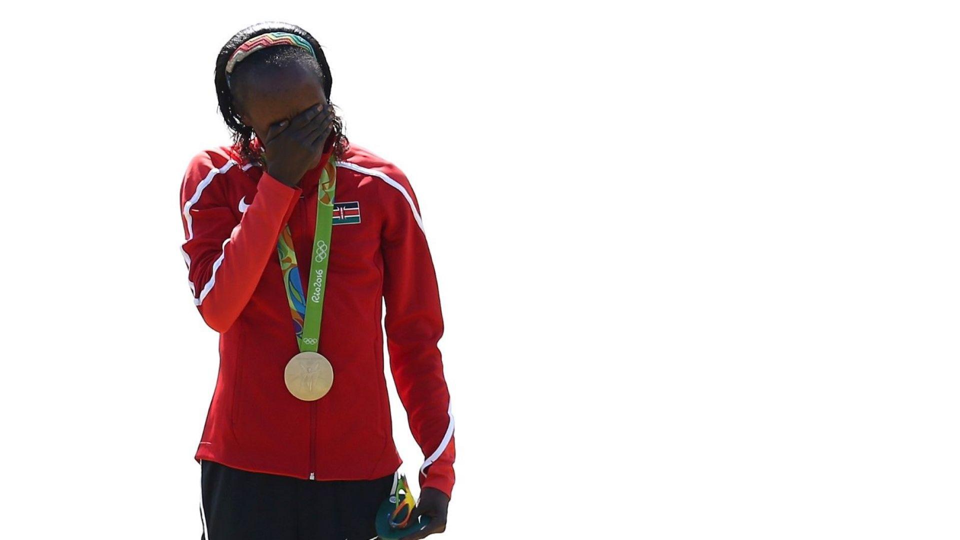 Изхвърлиха за 8 години уличена с допинг Олимпийска шампионка