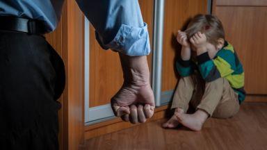 25% от родителите възпитават децата си с шамари