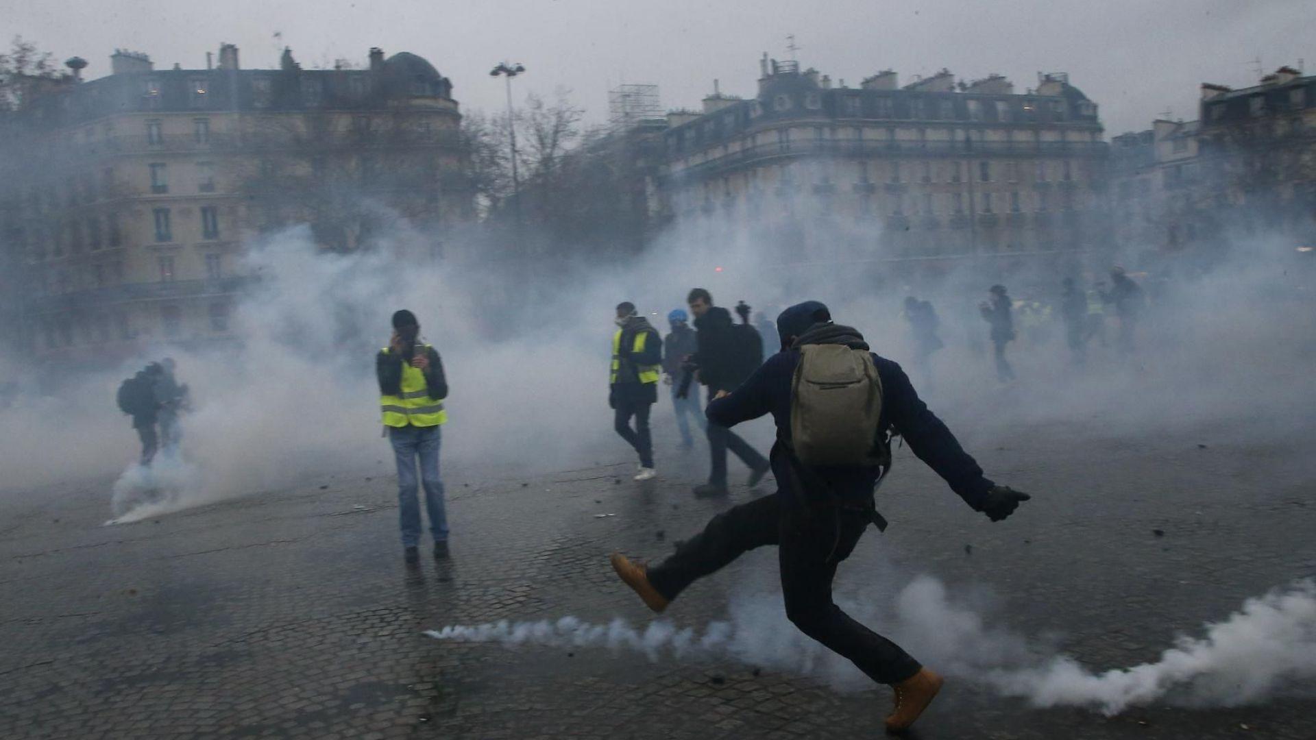 """""""Жълтите жилетки"""" във Франция пак протестират"""