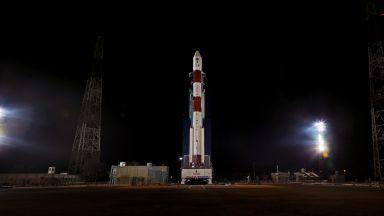 Индия изстреля най-лекия в света сателит