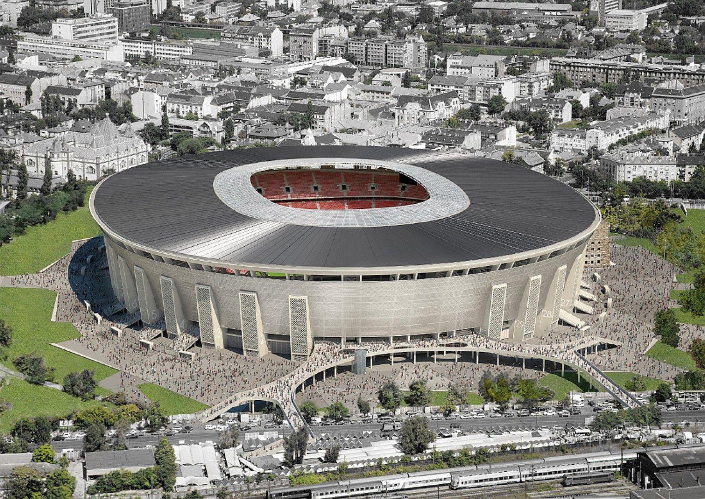 """Стадион """"Ференц Пушкаш"""" е единственият от 12-те, който не е завършен. Очаква се това да стане през лятото на тази година. Арената ще побира 65 000, а на нея ще се играят три мача от група F, както и един осминафинал."""