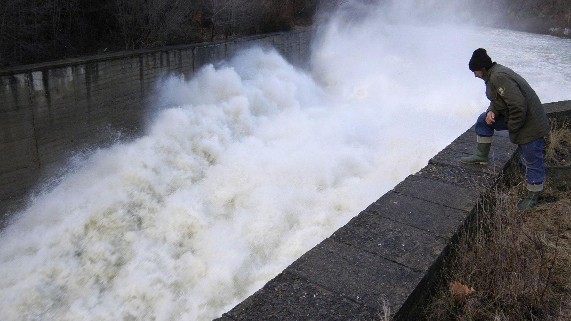 Нивата на реките в Пловдивско са повишени, но не са опасни