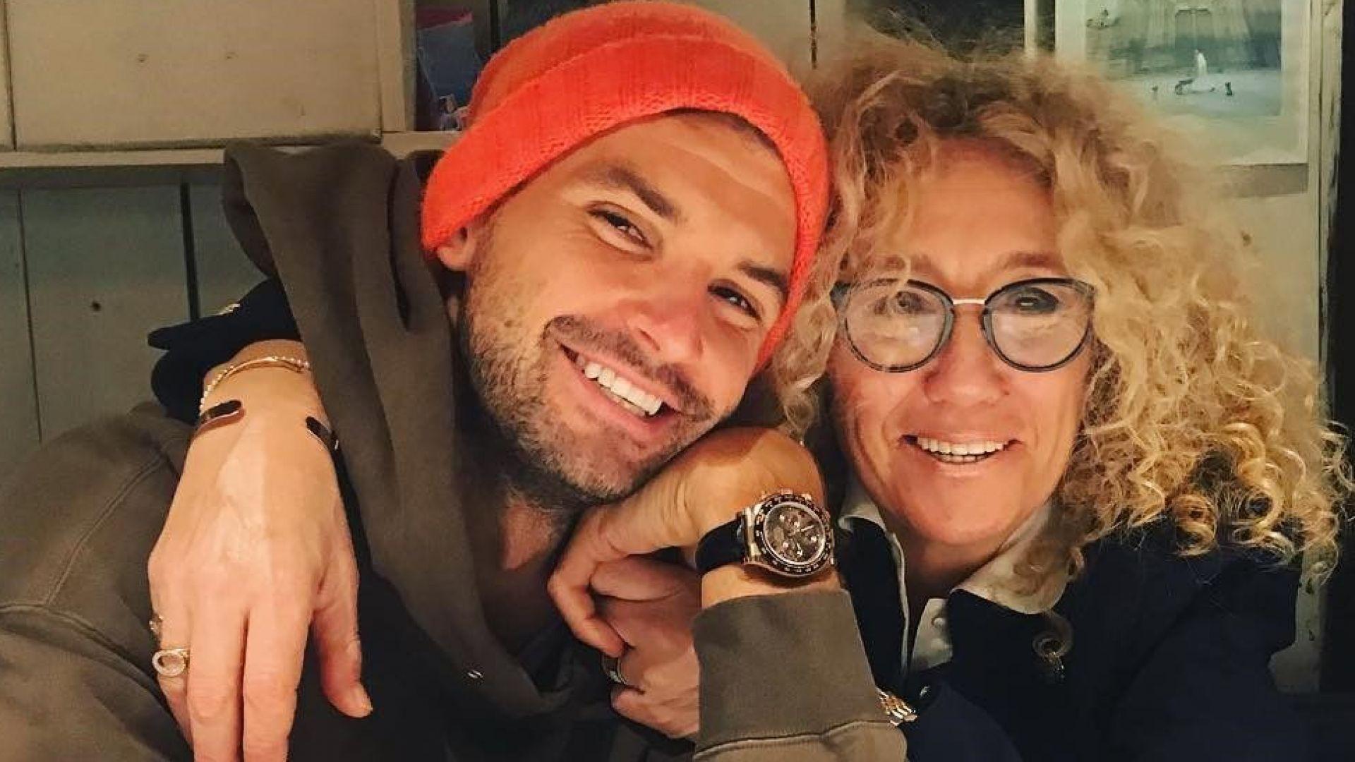 Григор с майка си на рождения ѝ ден